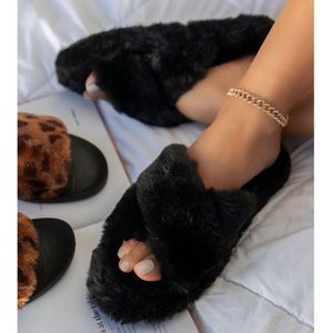 Black X Crossed Faux Fur Slippers Slides